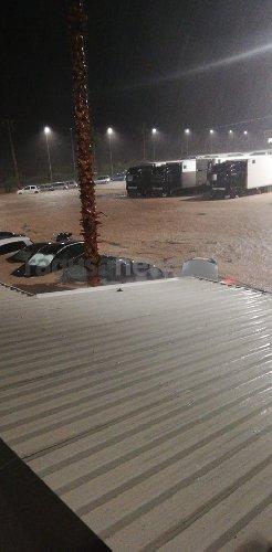 https://www.ragusanews.com//immagini_articoli/25-10-2019/1572037708-alluvione-a-pozzallo-auto-sepolte-fango-video-1-500.jpg