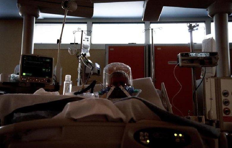 https://www.ragusanews.com//immagini_articoli/25-10-2020/covid-11-morti-in-sicilia-695-contagi-500.jpg
