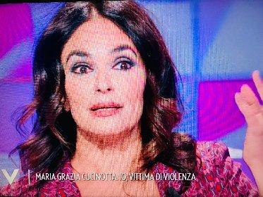 https://www.ragusanews.com//immagini_articoli/25-10-2020/maria-grazia-cucinotta-io-vittima-di-violenza-280.jpg