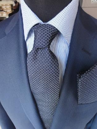 https://www.ragusanews.com//immagini_articoli/25-11-2016/sabato-26-riapre-nicola-calabrese-abbigliamento-uomo-420.jpg