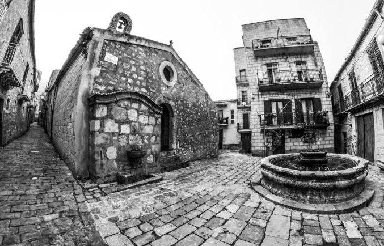 https://www.ragusanews.com//immagini_articoli/25-11-2018/borgo-bello-petralia-soprana-500.jpg