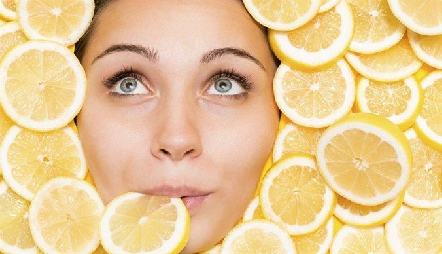 https://www.ragusanews.com//immagini_articoli/25-11-2019/dimagrire-mangiando-il-limone-500.jpg
