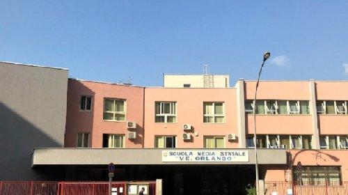 https://www.ragusanews.com//immagini_articoli/25-11-2020/sicilia-bambina-di-10-anni-cade-a-scuola-e-muore-280.jpg