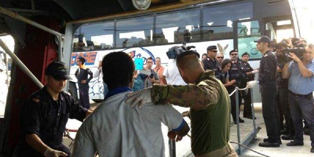 https://www.ragusanews.com//immagini_articoli/25-12-2014/migranti-gli-appalti-le-ditte-le-proroghe-500.jpg