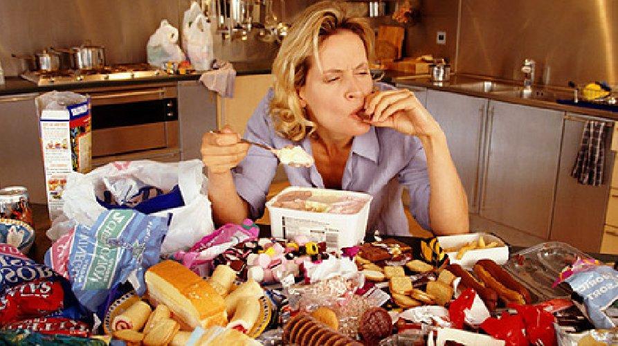 http://www.ragusanews.com//immagini_articoli/25-12-2017/dieta-detox-dopo-pranzi-natale-500.jpg