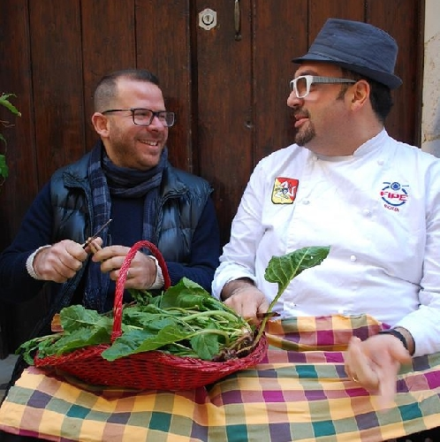 https://www.ragusanews.com//immagini_articoli/26-01-2014/cucinare-con-le-erbe-iblee-un-corso-500.jpg