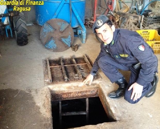 https://www.ragusanews.com//immagini_articoli/26-01-2015/il-gasolio-agricolo-abusivo-500.jpg