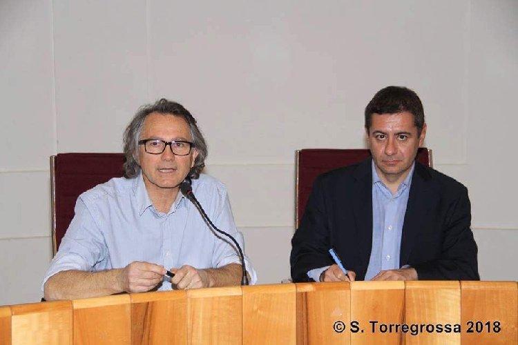 https://www.ragusanews.com//immagini_articoli/26-01-2018/sicilia-vista-cielo-lezione-alluniversita-catania-500.jpg