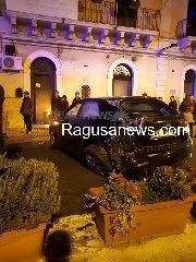 https://www.ragusanews.com//immagini_articoli/26-01-2020/gli-incidenti-sabato-sera-a-scicli-240.jpg