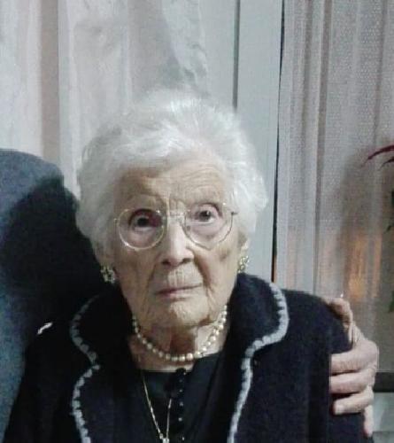 https://www.ragusanews.com//immagini_articoli/26-01-2020/nonnina-siciliana-festeggia-105-anni-500.png