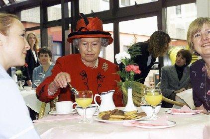 https://www.ragusanews.com//immagini_articoli/26-01-2021/la-dieta-della-longevita-della-regina-elisabetta-ii-menu-280.jpg