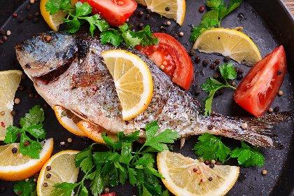 https://www.ragusanews.com//immagini_articoli/26-01-2021/perche-mangiare-pesce-fa-bene-alla-salute-280.jpg