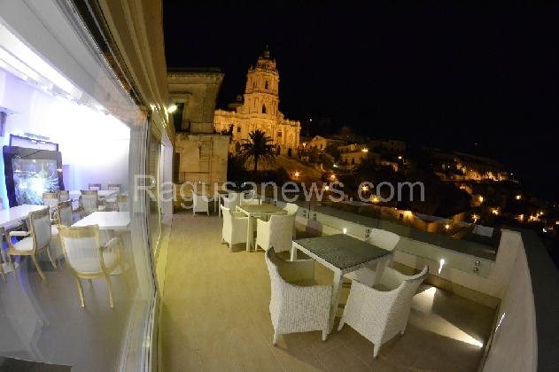 http://www.ragusanews.com//immagini_articoli/26-02-2017/rilevato-dodeskaden-apre-presto-albergo-cinema-420.jpg
