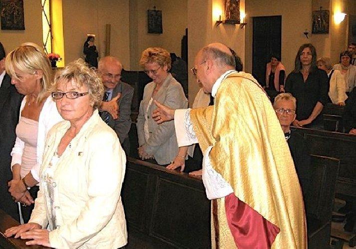 https://www.ragusanews.com//immagini_articoli/26-02-2020/niente-scambio-segno-di-pace-in-chiesa-500.jpg
