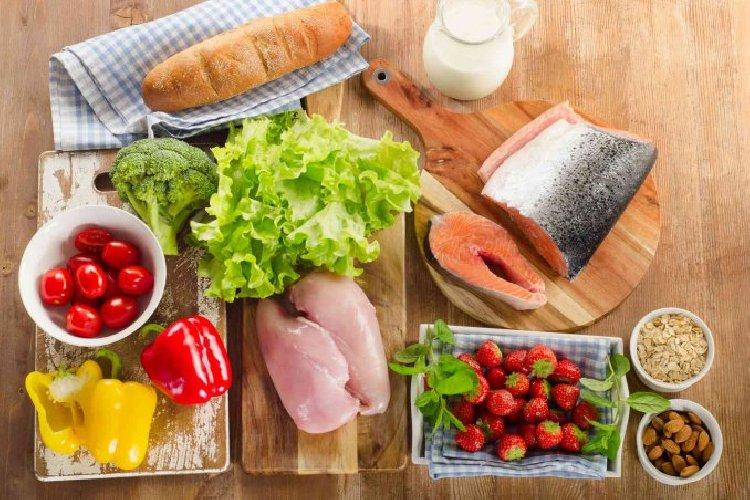 https://www.ragusanews.com//immagini_articoli/26-02-2021/dieta-atkins-dimagrire-con-pochi-carboidrati-in-4-fasi-500.jpg