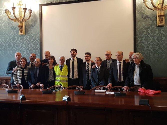 https://www.ragusanews.com//immagini_articoli/26-03-2019/azionisti-bapr-ragusa-c-e-il-tavolo-tecnico-a-roma-500.jpg