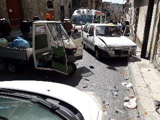 https://www.ragusanews.com//immagini_articoli/26-03-2019/incidente-modica-240.jpg