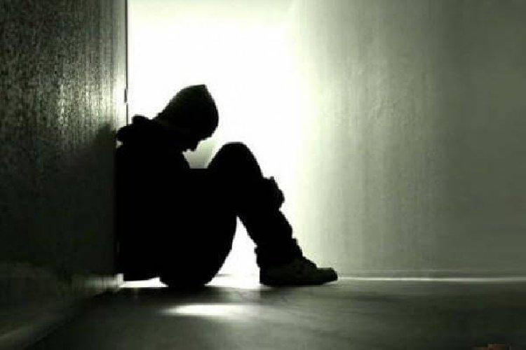 https://www.ragusanews.com//immagini_articoli/26-03-2019/uomo-di-40-anni-suicida-a-vittoria-500.jpg