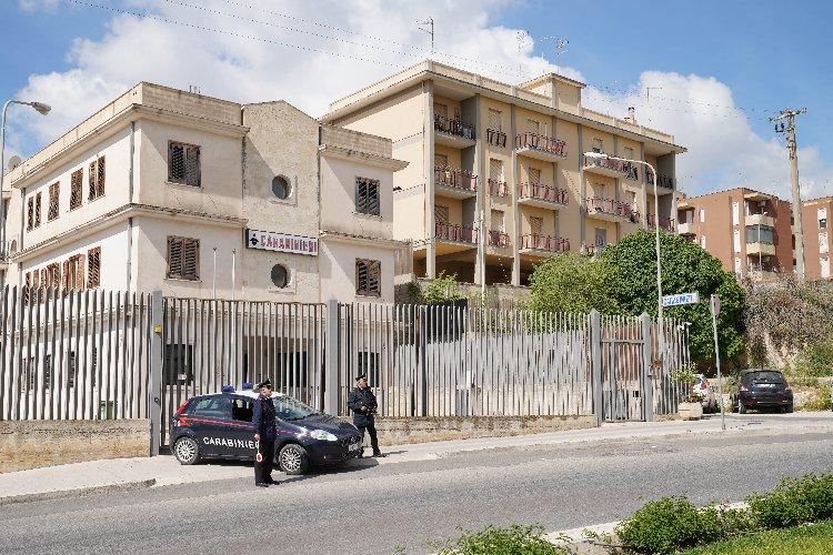 https://www.ragusanews.com//immagini_articoli/26-03-2020/denunce-per-inosservanza-decreti-aggredisce-i-carabinieri-arrestato-500.jpg