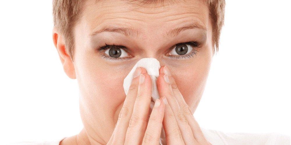 https://www.ragusanews.com//immagini_articoli/26-03-2020/distinguere-un-raffreddore-da-influenza-coronavirus-500.jpg