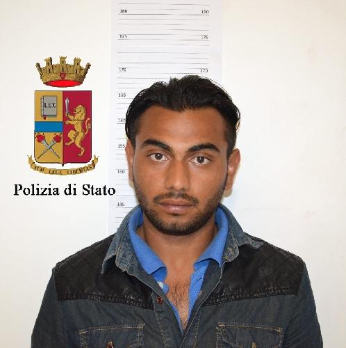 http://www.ragusanews.com//immagini_articoli/26-04-2017/modica-arrestato-spacciatore-500.jpg