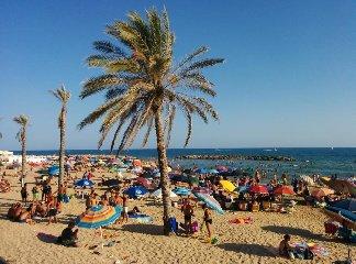 https://www.ragusanews.com//immagini_articoli/26-04-2019/dormire-a-marina-di-ragusa-in-agosto-costa-119-euro-240.jpg