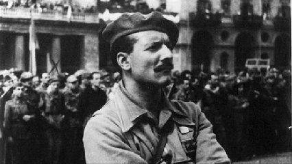 https://www.ragusanews.com//immagini_articoli/26-04-2019/un-film-su-pompeo-colajanni-il-comandante-barbato-al-cinema-lumiere-240.jpg