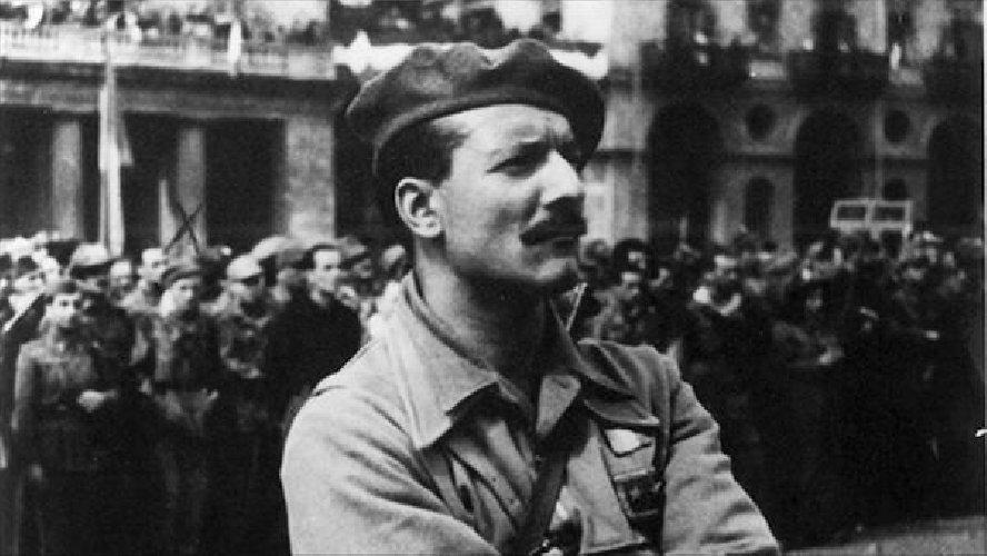 https://www.ragusanews.com//immagini_articoli/26-04-2019/un-film-su-pompeo-colajanni-il-comandante-barbato-al-cinema-lumiere-500.jpg