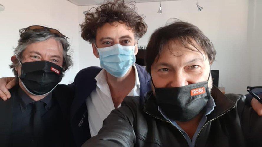 https://www.ragusanews.com//immagini_articoli/26-04-2021/covid-i-morti-spalmati-in-sicilia-stasera-report-su-rai-tre-video-500.jpg