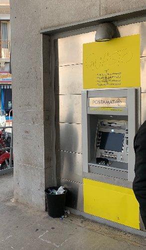 https://www.ragusanews.com//immagini_articoli/26-04-2021/il-bancomat-della-posta-di-scicli-guasto-500.jpg