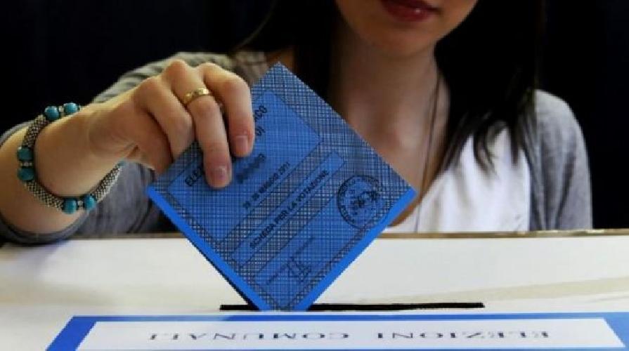 http://www.ragusanews.com//immagini_articoli/26-05-2014/europee-in-provincia-di-ragusa-ha-votato-il-40-percento-500.jpg