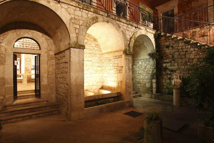 http://www.ragusanews.com//immagini_articoli/26-05-2015/la-rassegna-al-museo-campailla-500.jpg
