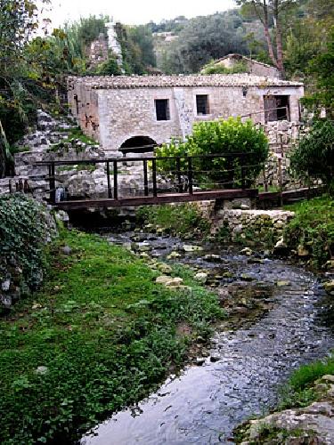 http://www.ragusanews.com//immagini_articoli/26-05-2016/ciclo-del-grano-conferenza-al-mulino-ad-acqua-santa-lucia-500.jpg