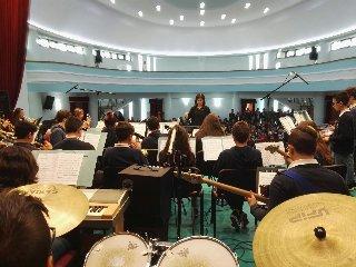 https://www.ragusanews.com//immagini_articoli/26-05-2018/orchestra-guastella-primo-posto-robiolo-foto-240.jpg