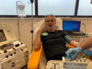 https://www.ragusanews.com//immagini_articoli/26-05-2020/andrea-bocelli-io-mia-moglie-e-mia-figlia-abbiamo-avuto-il-coronavirus-240.jpg