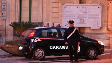 https://www.ragusanews.com//immagini_articoli/26-05-2020/scicli-arrestato-rosario-tasca-240.jpg
