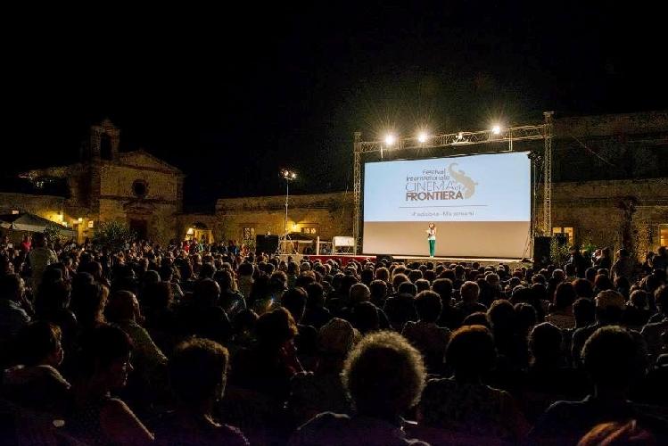 https://www.ragusanews.com//immagini_articoli/26-06-2017/festival-cinema-frontiera-film-concorso-500.jpg