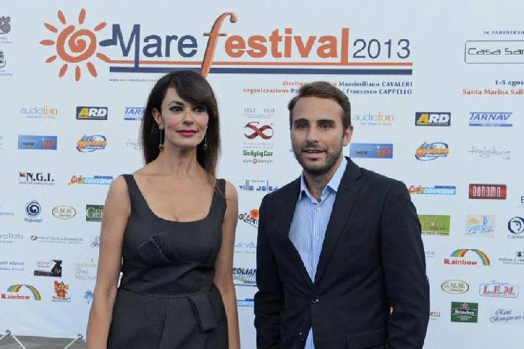 https://www.ragusanews.com//immagini_articoli/26-06-2018/maria-grazia-cucinotta-film-lamborghini-500.jpg