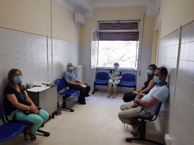 https://www.ragusanews.com//immagini_articoli/26-06-2020/inaugurata-la-reumatologia-al-busacca-500.jpg
