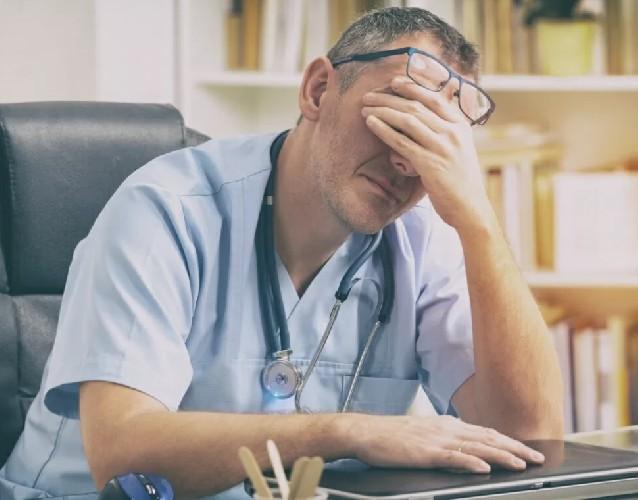 https://www.ragusanews.com//immagini_articoli/26-06-2020/sicilia-medico-malati-oncologici-da-operare-ma-noi-senza-guanti-500.jpg
