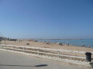 http://www.ragusanews.com//immagini_articoli/26-07-2014/l-asp-il-mare-di-scoglitti-e-pulito-240.jpg