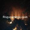 http://www.ragusanews.com//immagini_articoli/26-07-2016/vasto-incendio-fra-chiaramonte-e-monterosso-vicino-monte-casasia-100.jpg