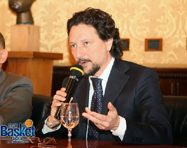 http://www.ragusanews.com//immagini_articoli/26-07-2017/antonio-rescifina-vicepresidente-scuola-regionale-sport-500.jpg