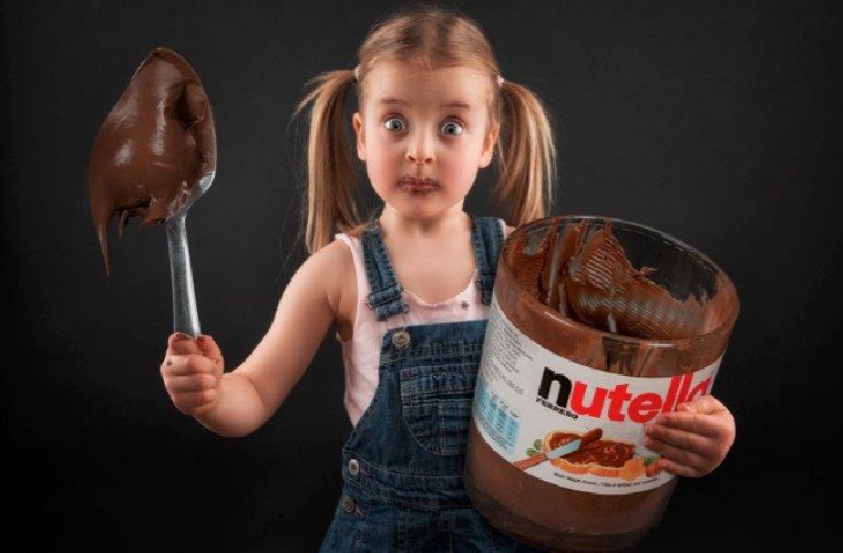https://www.ragusanews.com//immagini_articoli/26-07-2018/nutella-cerca-assaggiatori-sacrifica-500.jpg
