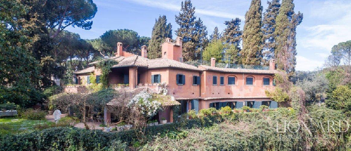 https://www.ragusanews.com//immagini_articoli/26-07-2018/roma-vendita-villa-marito-sophia-loren-500.jpg