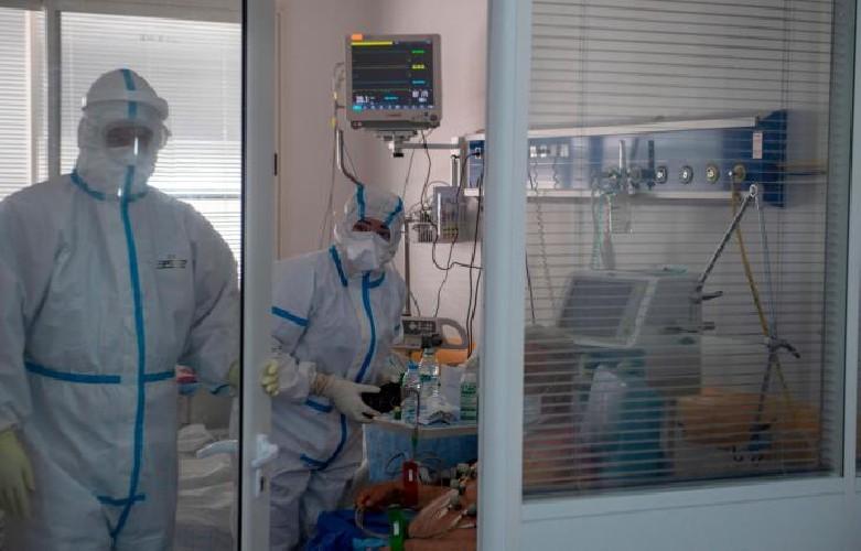https://www.ragusanews.com//immagini_articoli/26-07-2020/altri-14-casi-di-coronavirus-oggi-in-sicilia-500.jpg