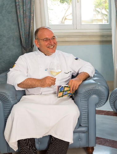 https://www.ragusanews.com//immagini_articoli/26-07-2020/palazzolo-acreide-sei-chef-insieme-per-settecento-ristorante-and-friends-500.jpg