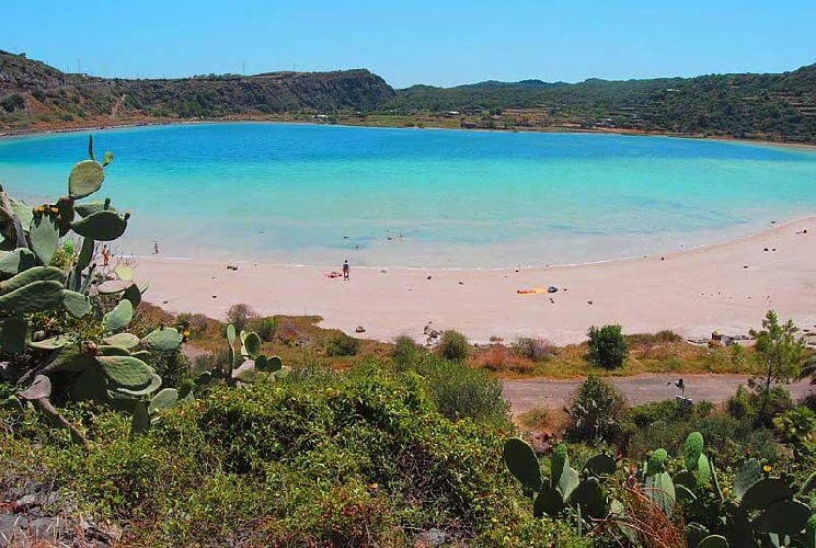 https://www.ragusanews.com//immagini_articoli/26-07-2021/70-contagi-covid-a-pantelleria-14-a-stromboli-500.jpg