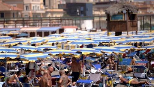 https://www.ragusanews.com//immagini_articoli/26-07-2021/focolai-covid-nelle-localita-turistiche-la-mappa-nazionale-280.jpg