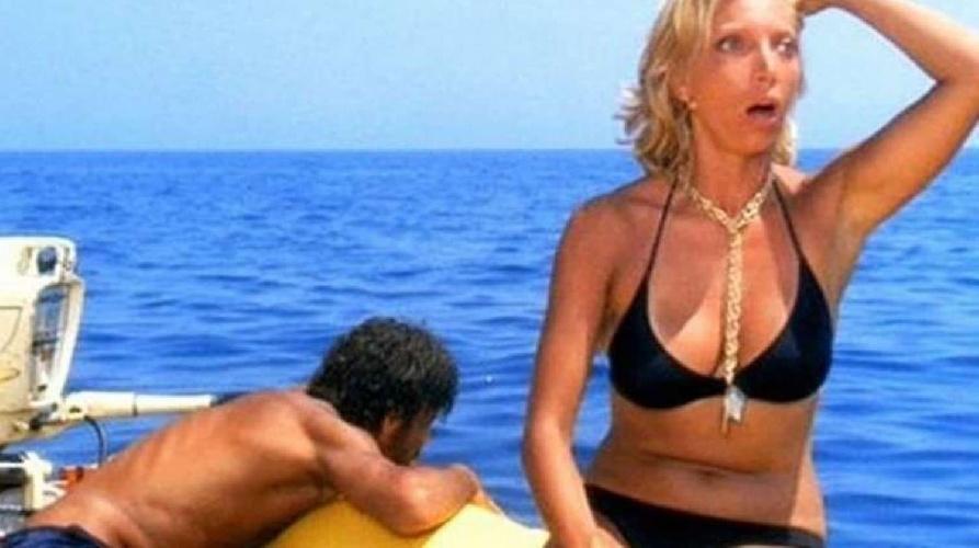https://www.ragusanews.com//immagini_articoli/26-07-2021/sicilia-travolti-dalla-quarta-ondata-nell-azzurro-mare-d-agosto-500.jpg